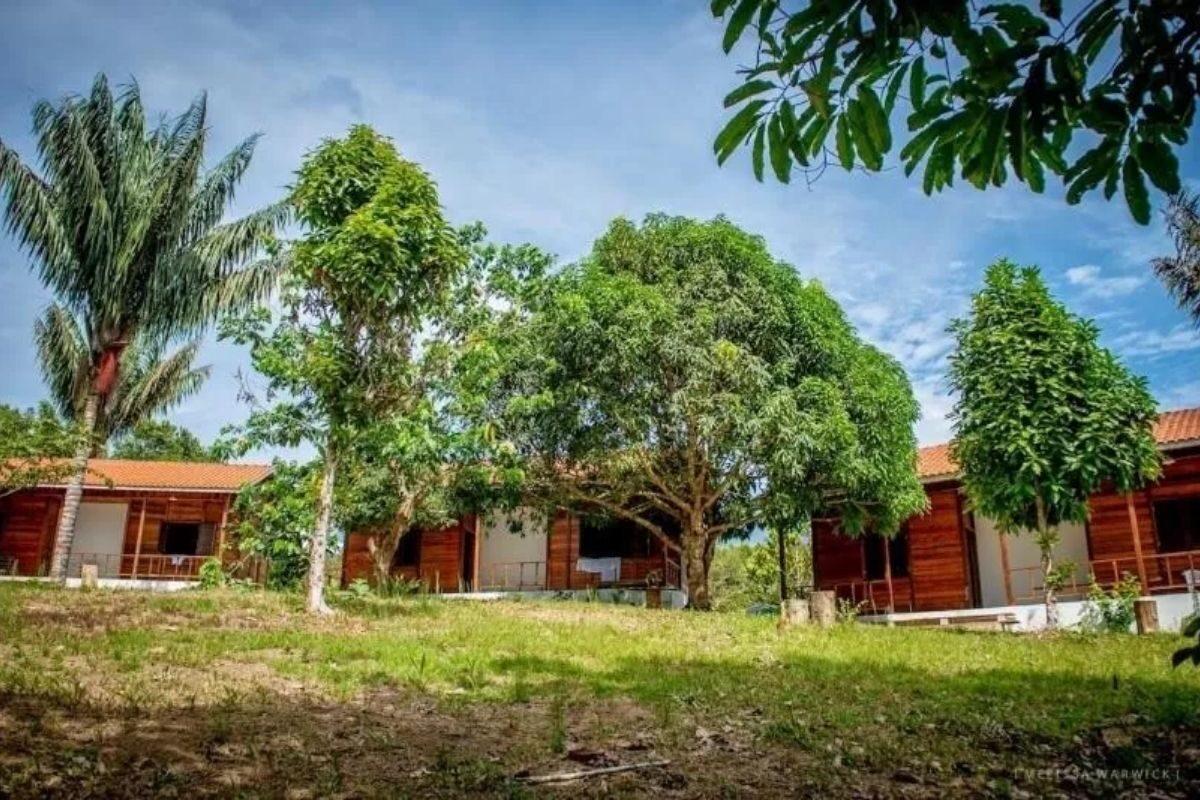 chales no brasil - amazonas -aldeia mari-mari