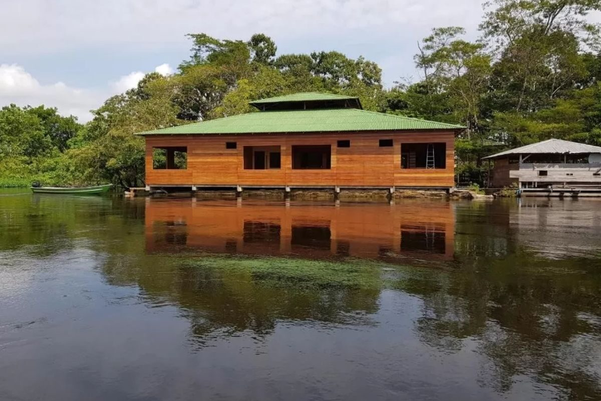 chales no brasil - amazonas -amazon arowana lodge