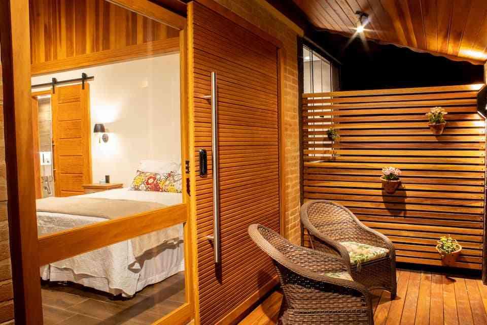 chalé de madeira para hospedagem no Brasil 471