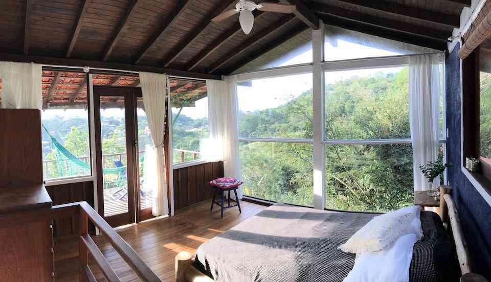 chalé de madeira para hospedagem no Brasil 652