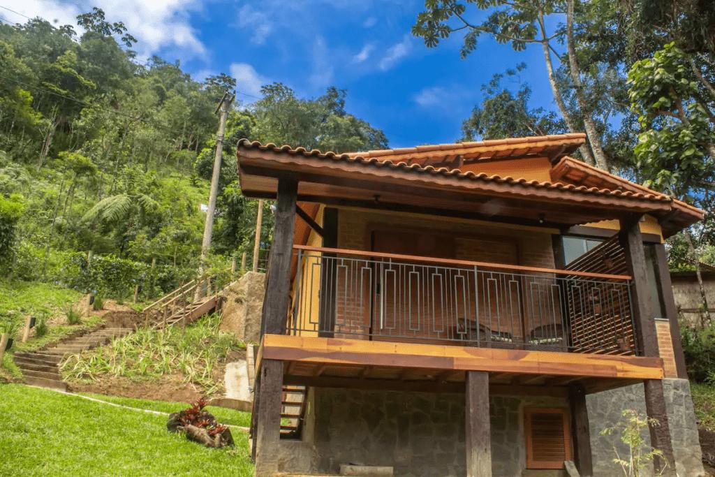 chalé de madeira para hospedagem no Brasil 473
