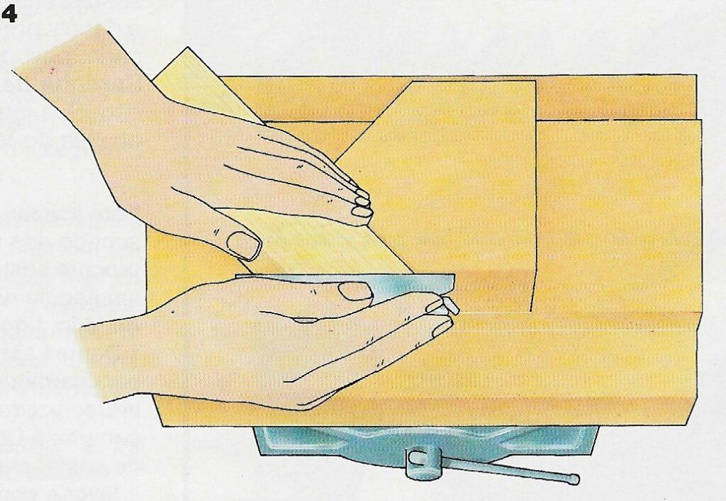 ilustração demonstrando o passo 4 da construção das juntas de meia esquadria