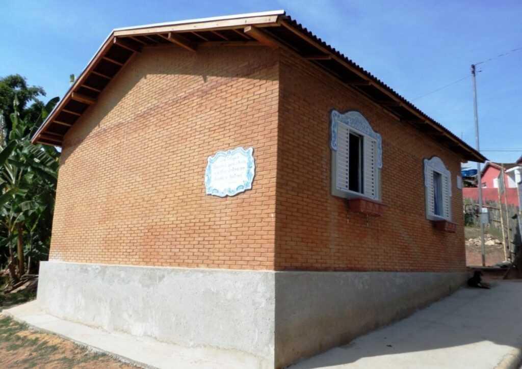 casa pré-moldada em tijolo ecológico 4