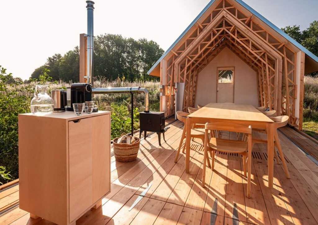 cabana de madeira móvei foto 11