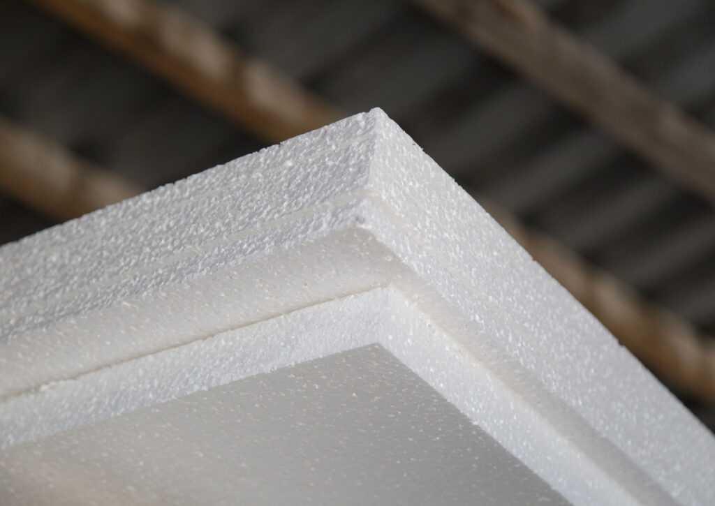 isolamento da casa container com isopor eps