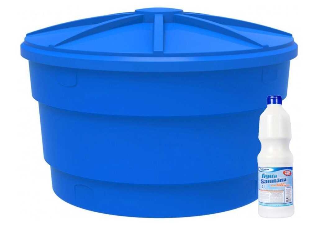 limpeza de caixa d'água adicionando água sanitária