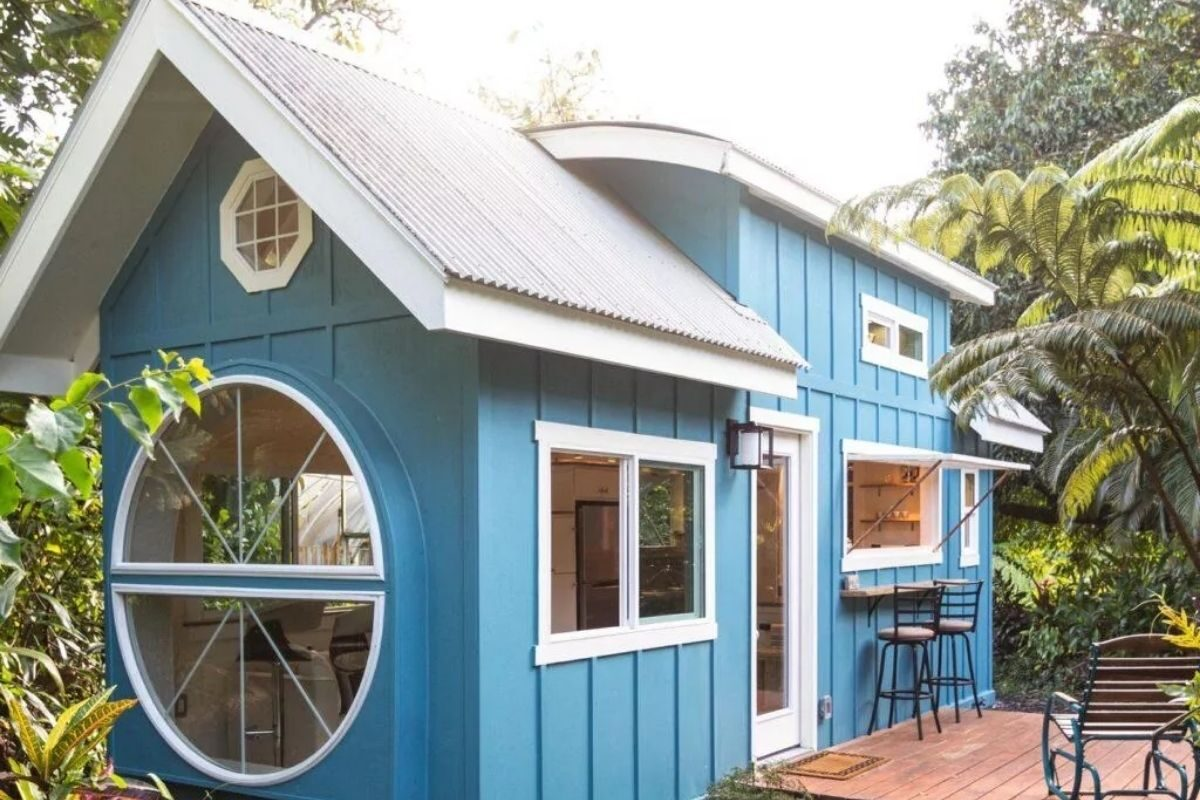 Mini Casa azul estilosa