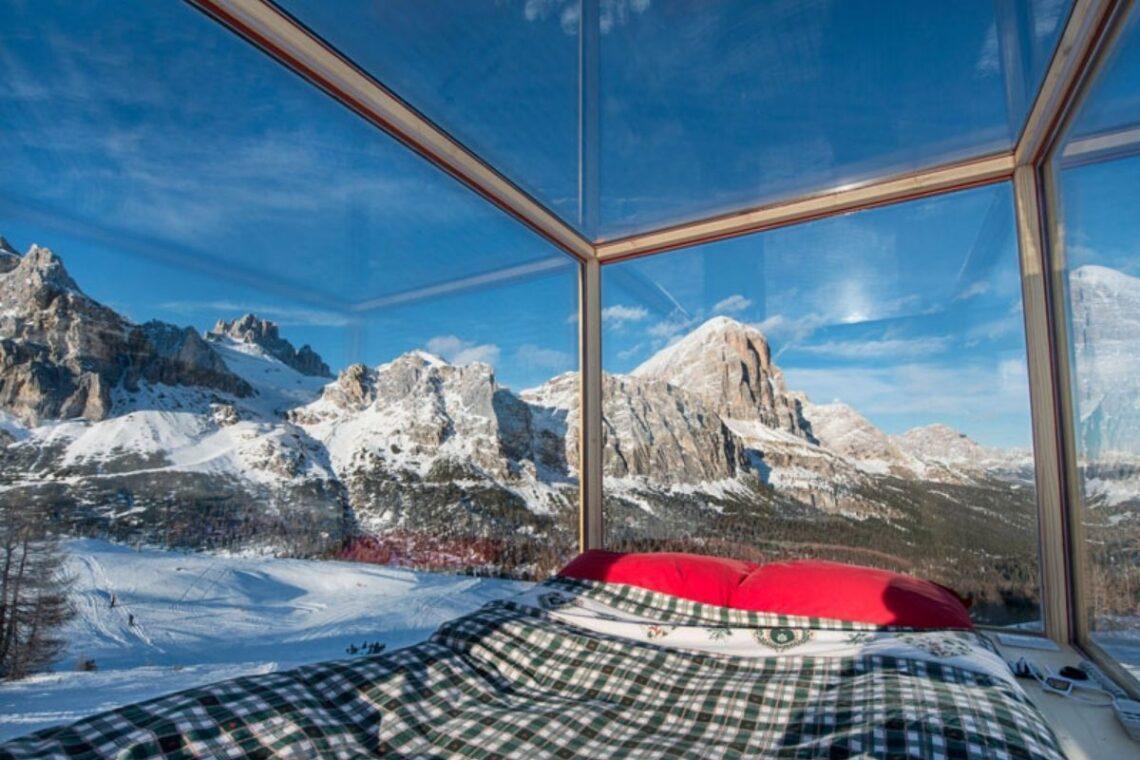 cabana de madeira e vidro foto 1