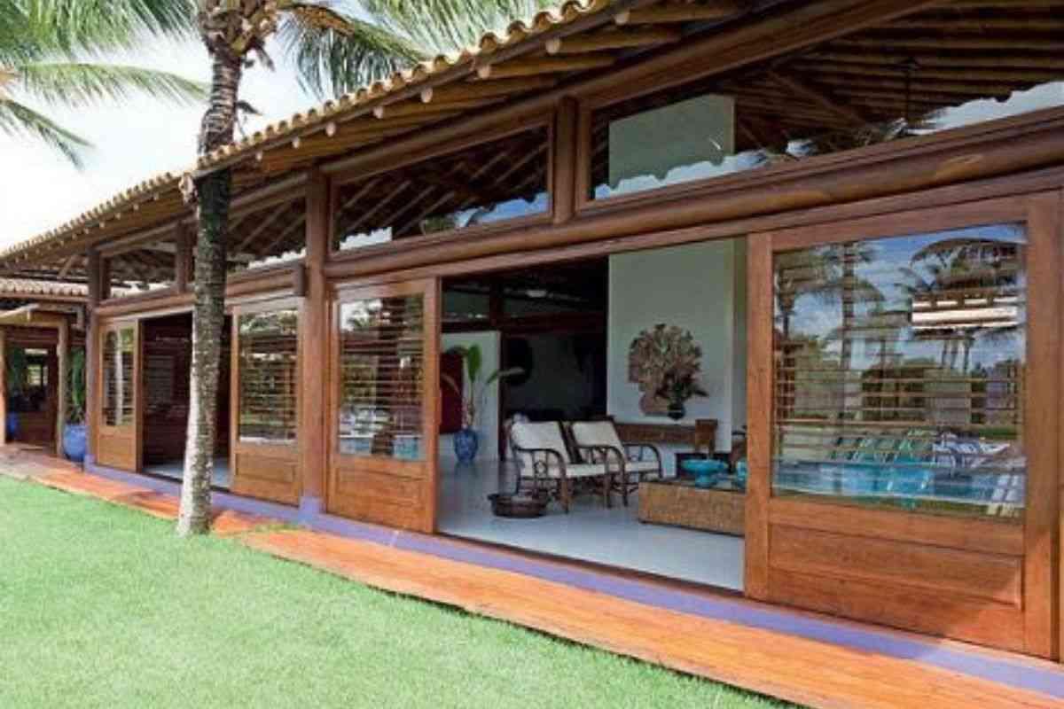 casa de madeira e vidro 4