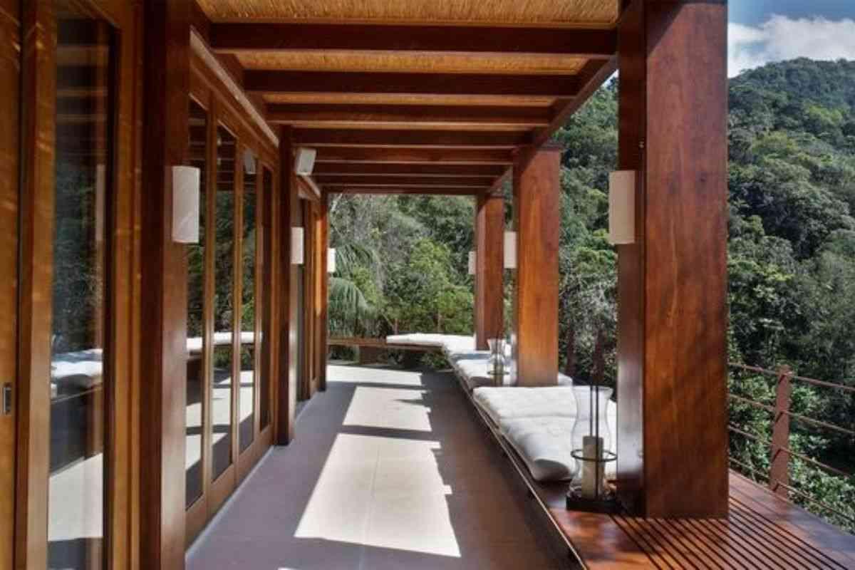 casa de madeira e vidro 6