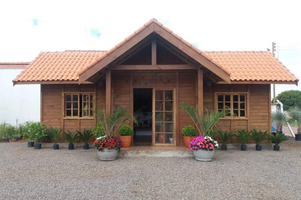 casa de madeira simples pré-fabricada