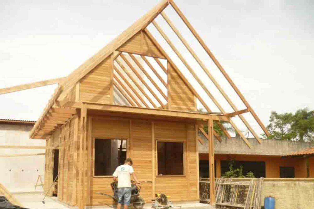 como é construída uma casa de pinus