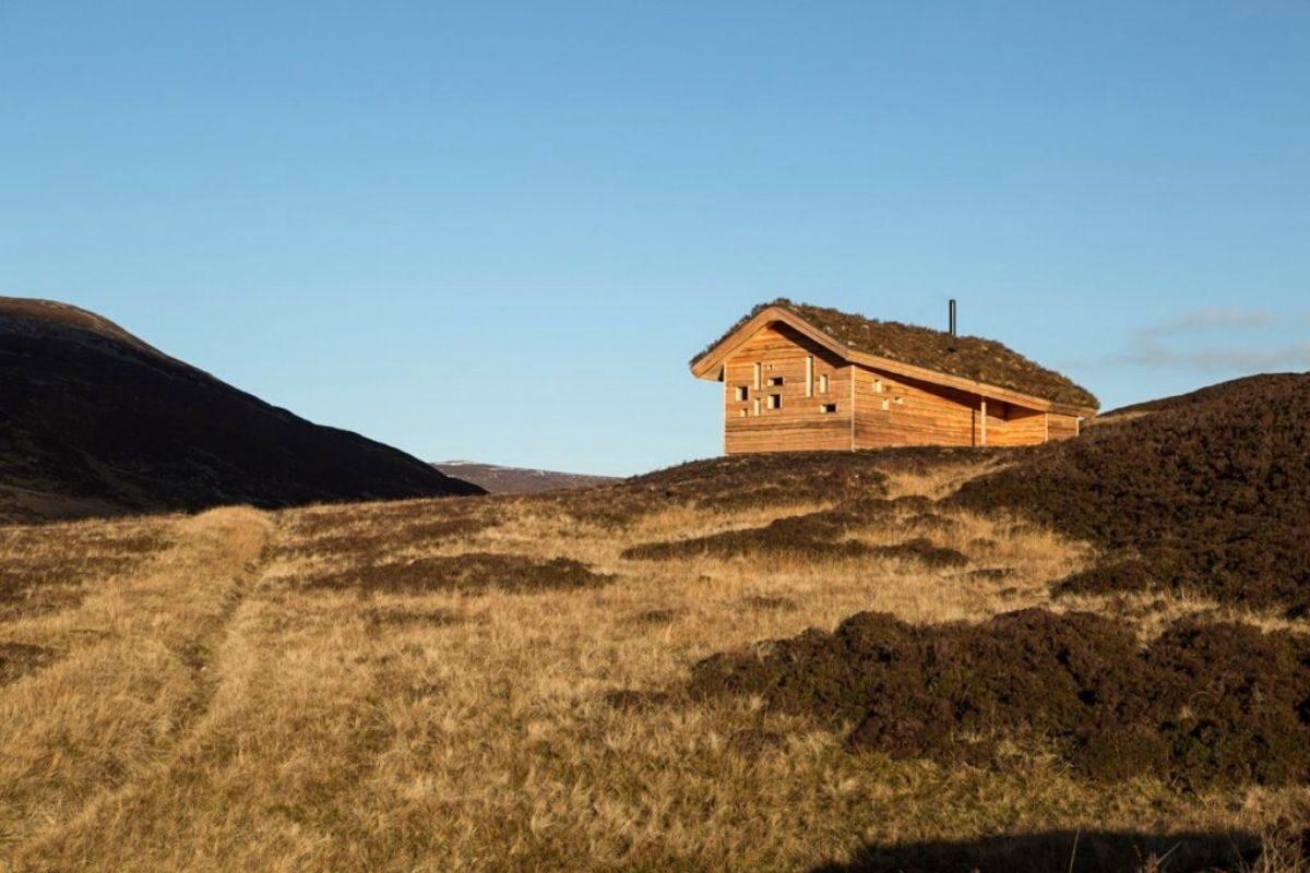 cabana de madeira com telhado verde moxon escócia foto 4