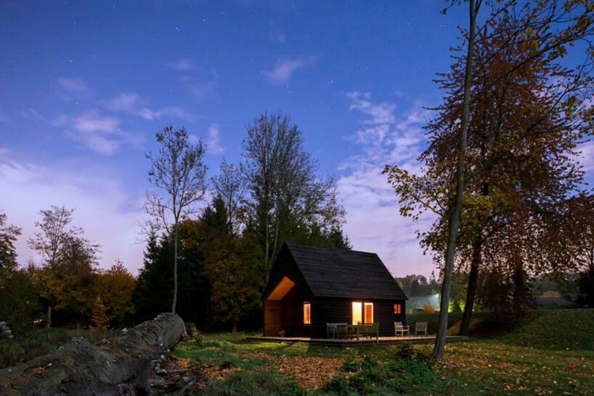 cabana de madeira oleo queimado de rosse foto 12