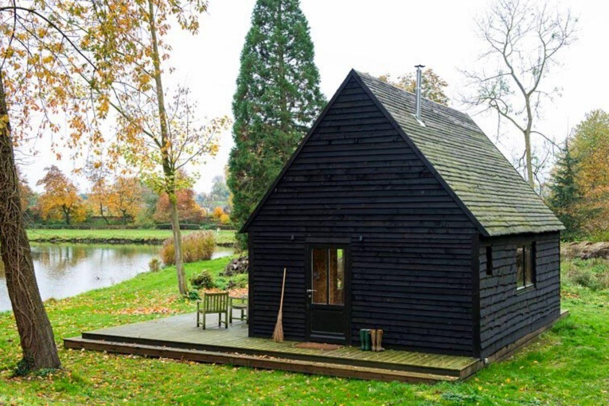 cabana de madeira oleo queimado de rosse foto 5