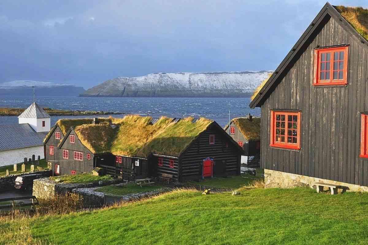 casa de madeira antiga Kirkjubøargarður