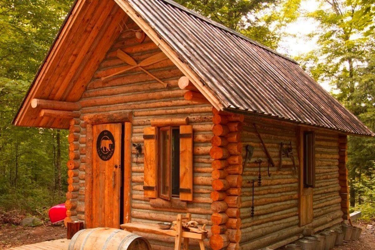 casa de madeira pequena cabana