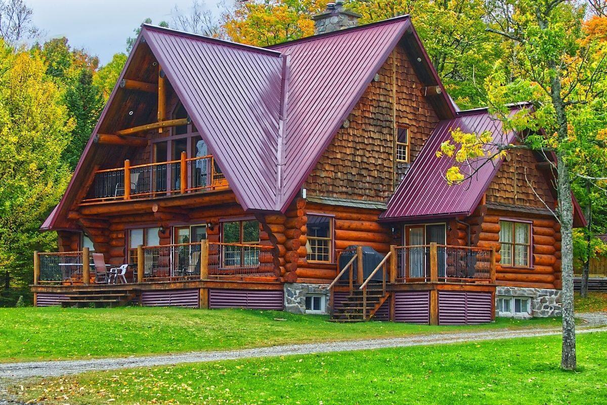 casa de madeira rústica de toras
