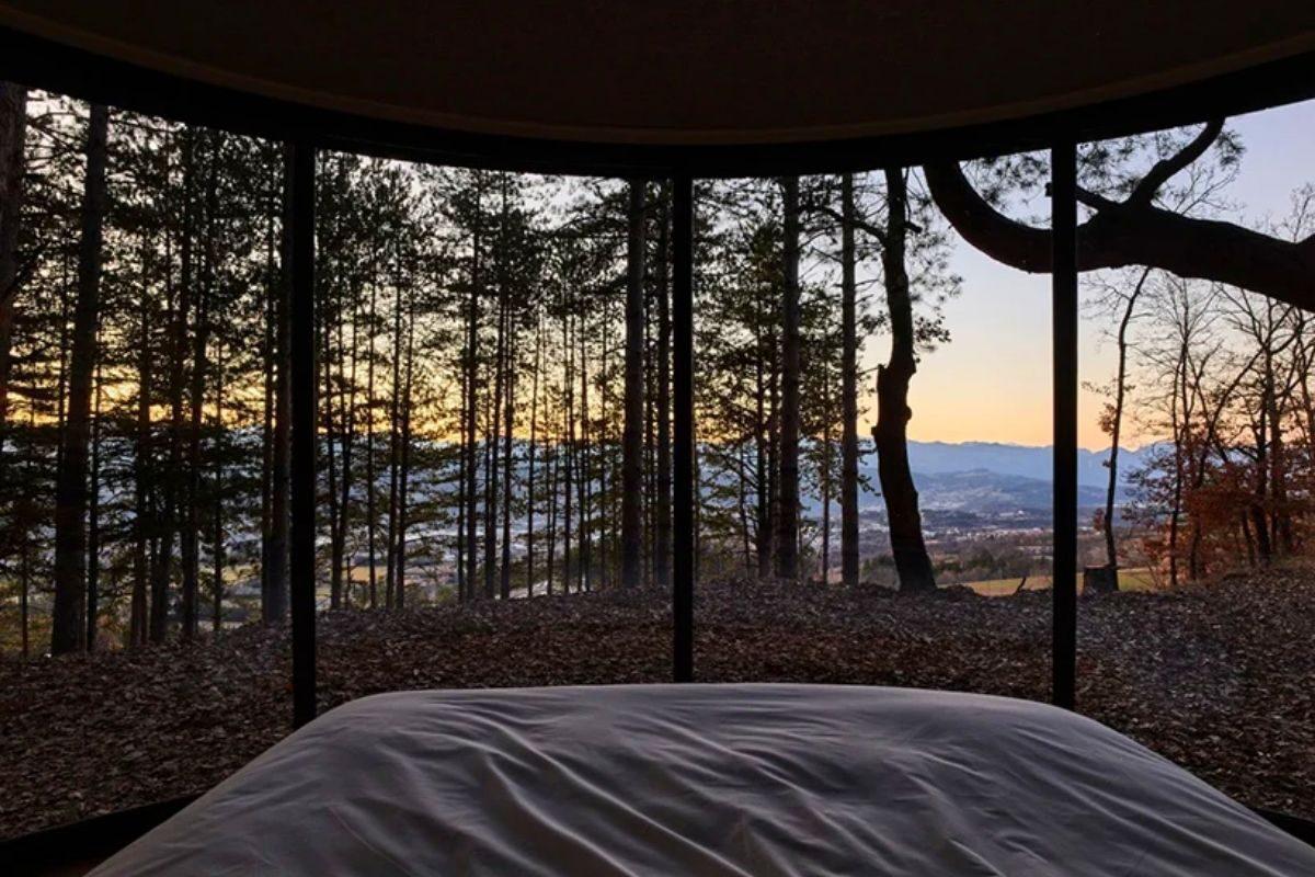 cabana de madeira circular lumipod foto 2
