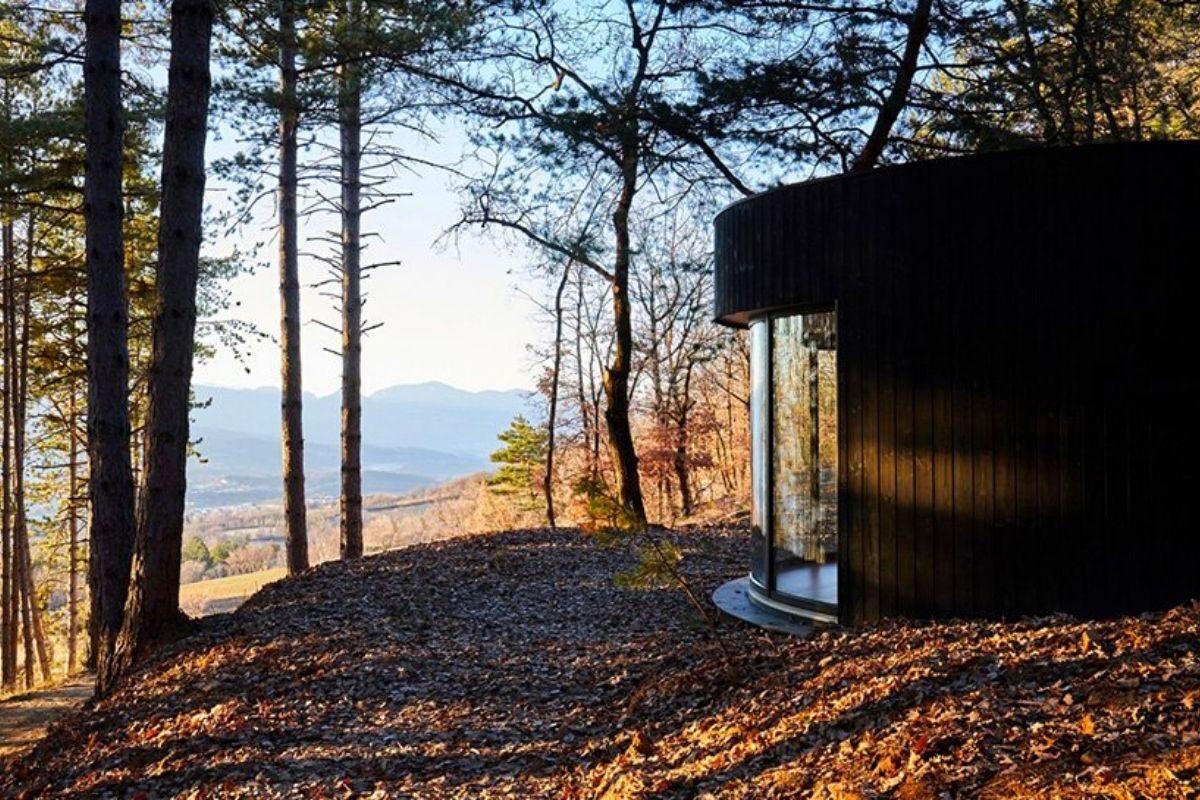 cabana de madeira circular lumipod foto 6