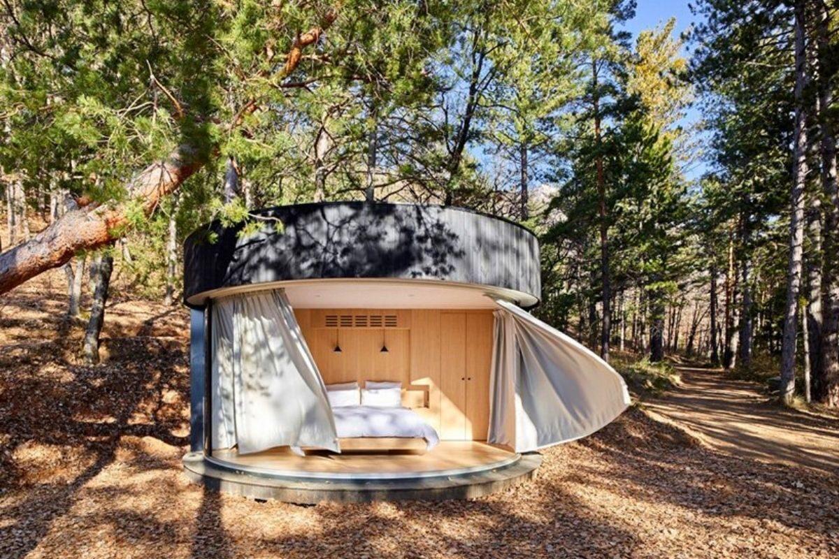cabana de madeira circular lumipod foto 8