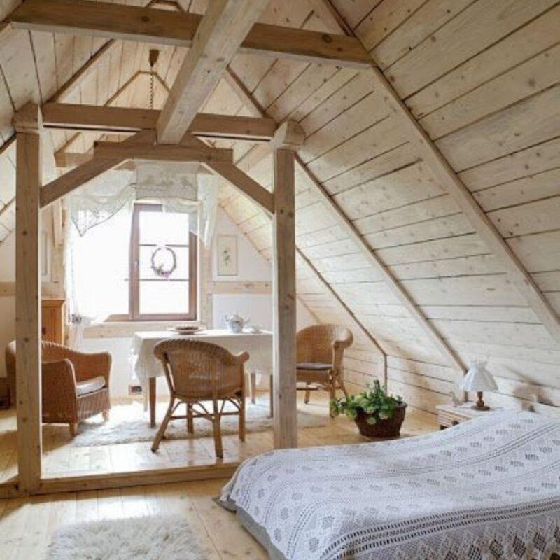 casa de madeira por dentro foto 10