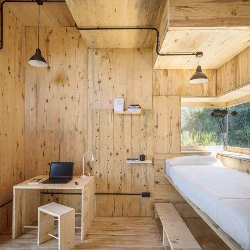 casa de madeira por dentro foto 3