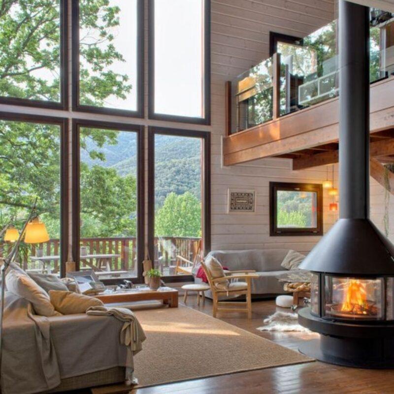 casa de madeira por dentro foto 30