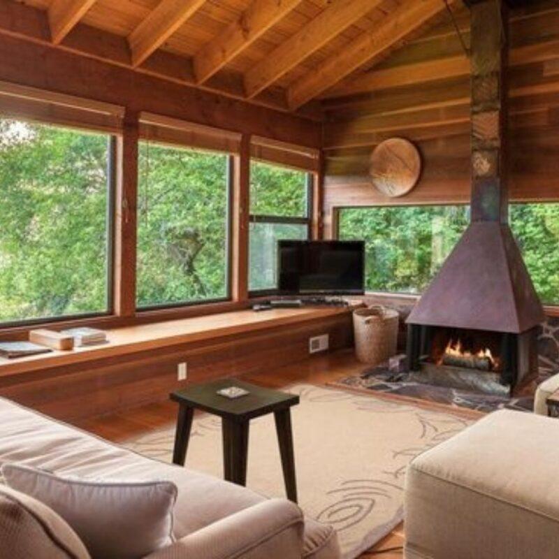 casa de madeira por dentro foto 34
