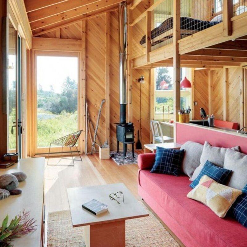 casa de madeira por dentro foto 5
