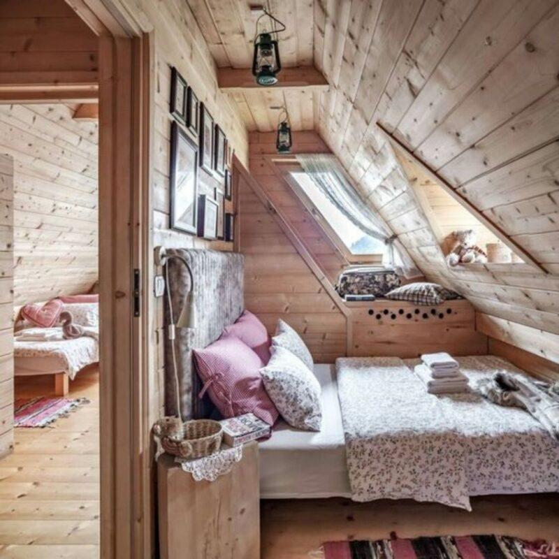 casa de madeira por dentro foto 6