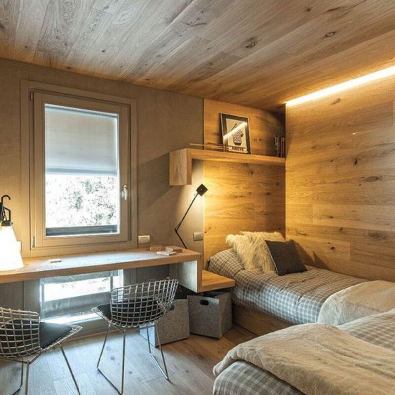 casa de madeira por dentro foto 9