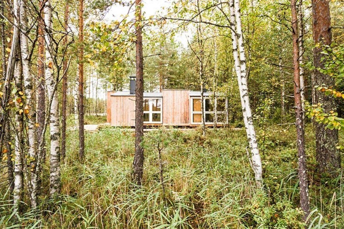 casa de madeira simples interior aconchegante politaire foto 5