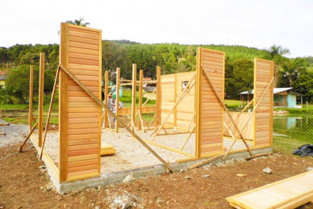 sistema de encaixe de madeira casa pré-fabricada encaixe das paredes