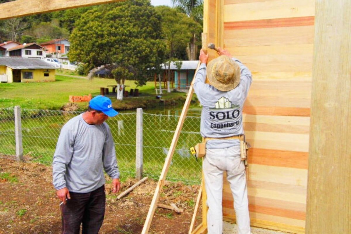 sistema de encaixe de madeira casa pré-fabricada paredes