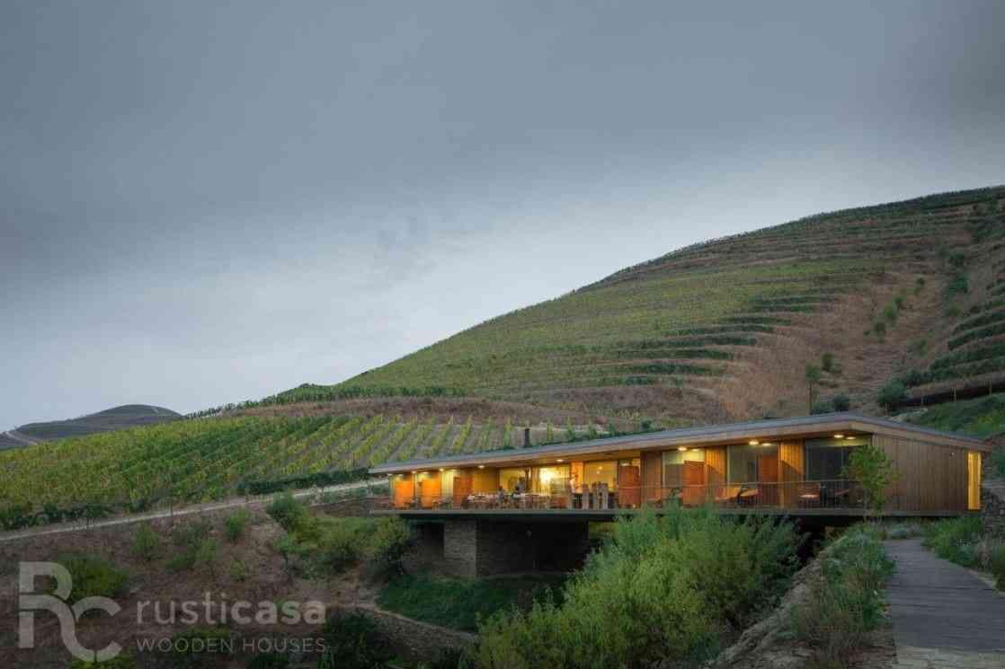 Casa de madeira modelo de 505 m², em Portugal