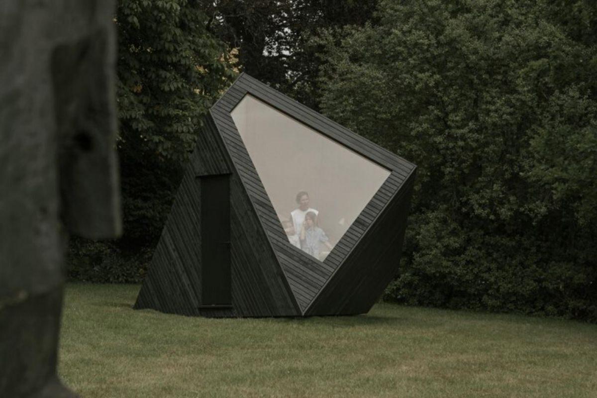 cabana de madeira home office ilusão de ótica koto foto 5