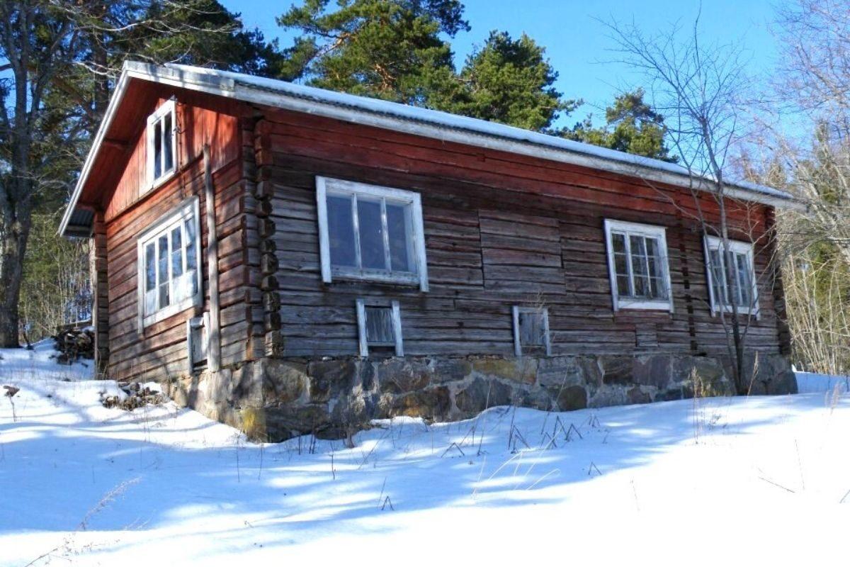 casa de toras no estilo finlandês