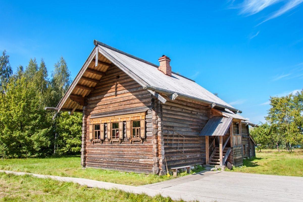 casa de toras no estilo russo