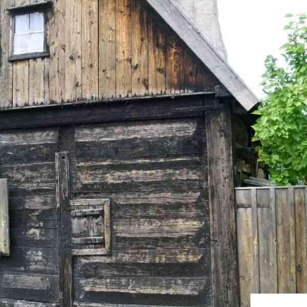 junta achatada casas de toras e troncos