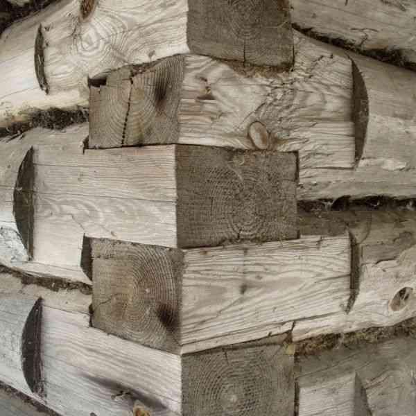junta russa utilizada em casas de toras e troncos