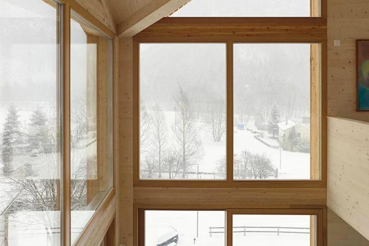 casa de madeira pequena madeiras claras foto 2