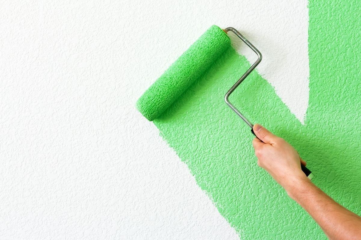 rolo de pintura para madeira