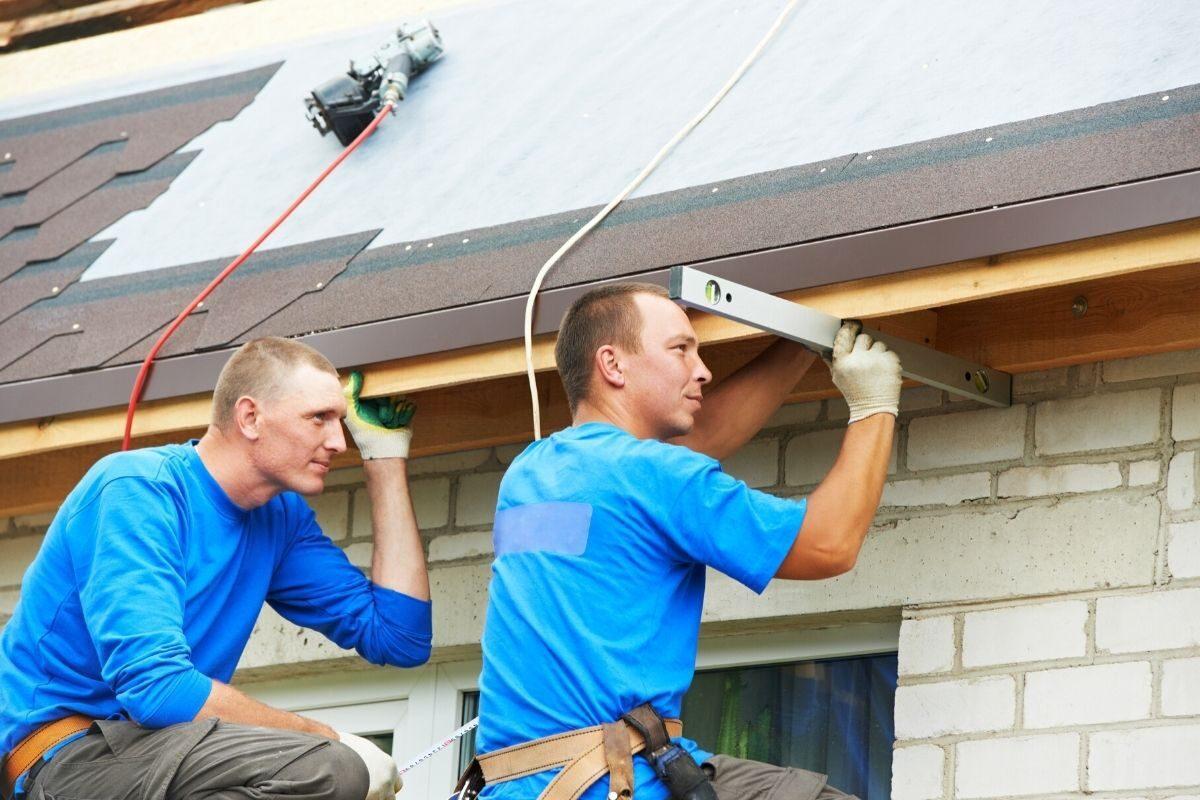 Como calcular a inclinação de um telhado que já está pronto_