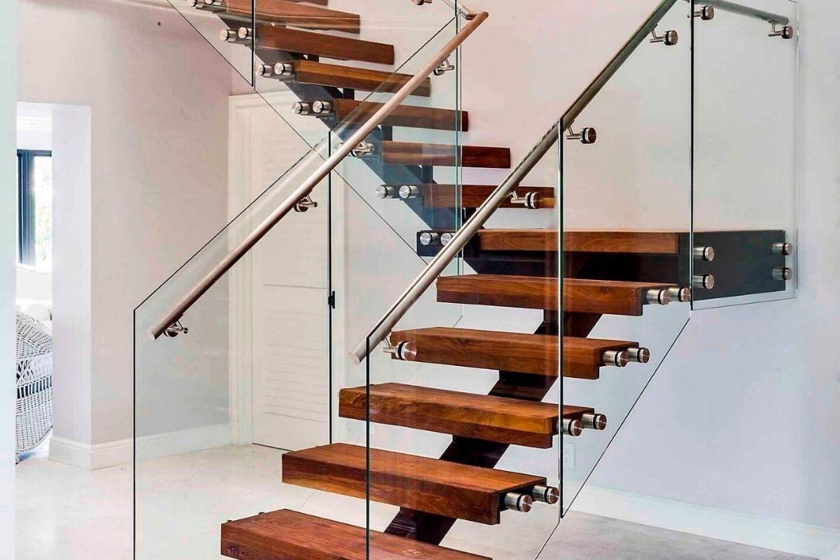 """Escada em """"L"""""""
