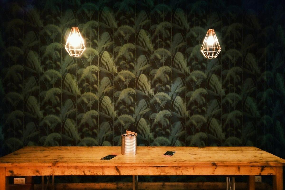 Estilo da mesa de madeira rústica