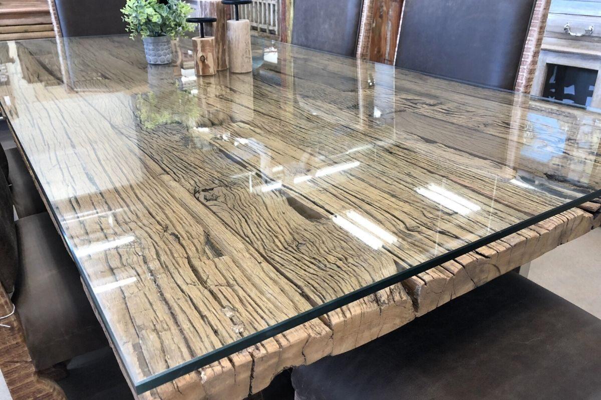 Mesas de madeira rústica com vidro 2
