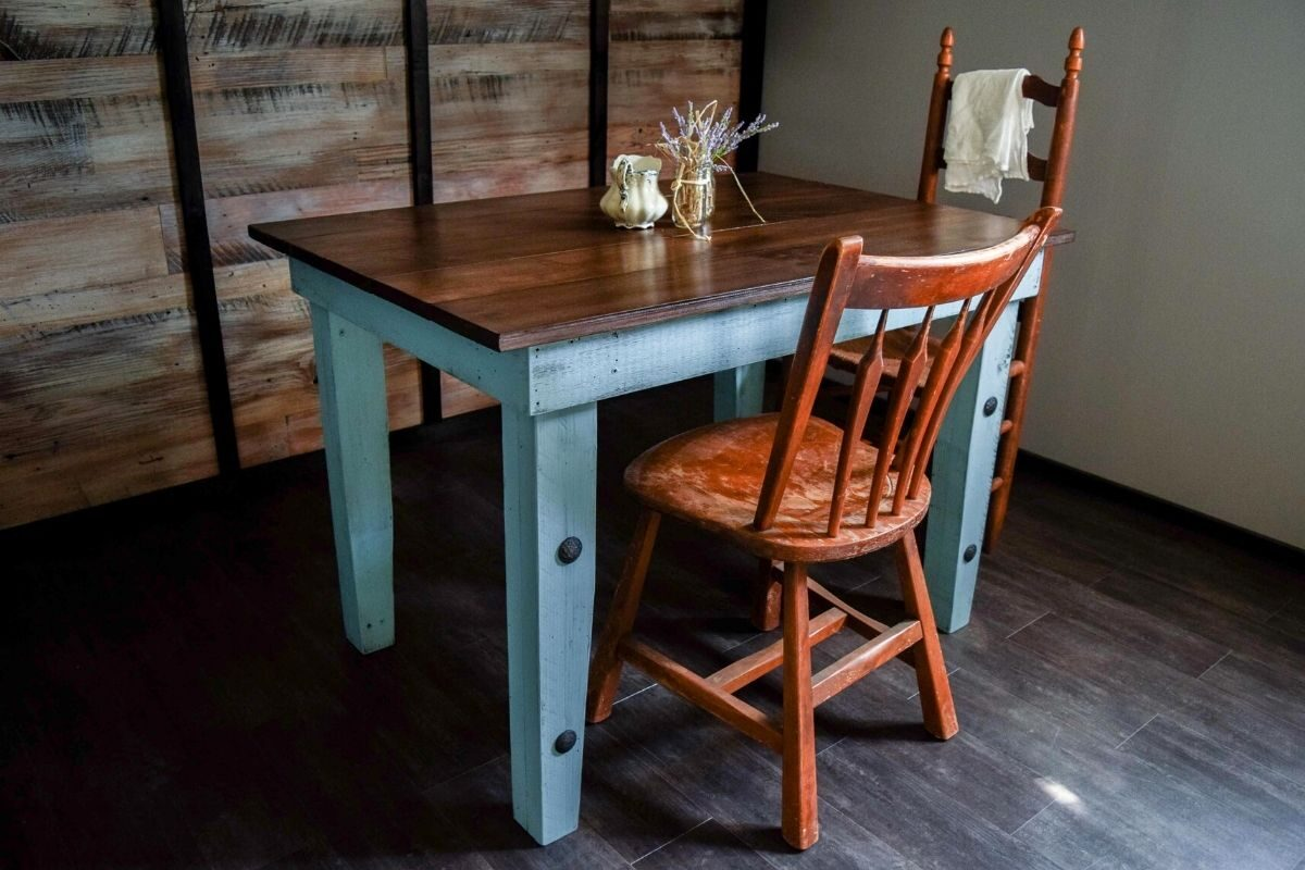 Mesas de madeira rústica compactas 2