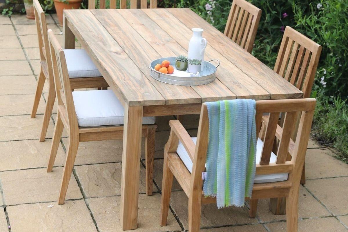 Mesas de madeira rústica longas e retangulares 3