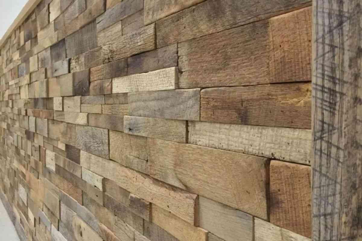 Revestimento com madeira maciça